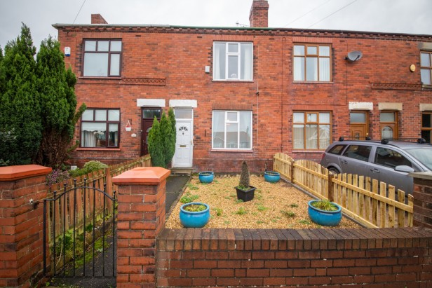 House For Sale in Liverpool Road, Haydock | Jump-Pad – Newton-le-Willows - 1