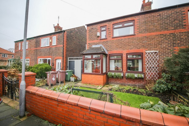 House For Sale in Clovelly Avenue, St. Helens   Jump-Pad – Newton-le-Willows - 1