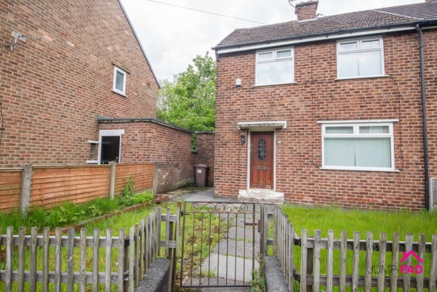 House For Sale in Lloyd Crescent, Newton-le-Willows | Jump-Pad – Newton-le-Willows - 1