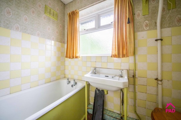 House For Sale in Lloyd Crescent, Newton-le-Willows | Jump-Pad – Newton-le-Willows - 8