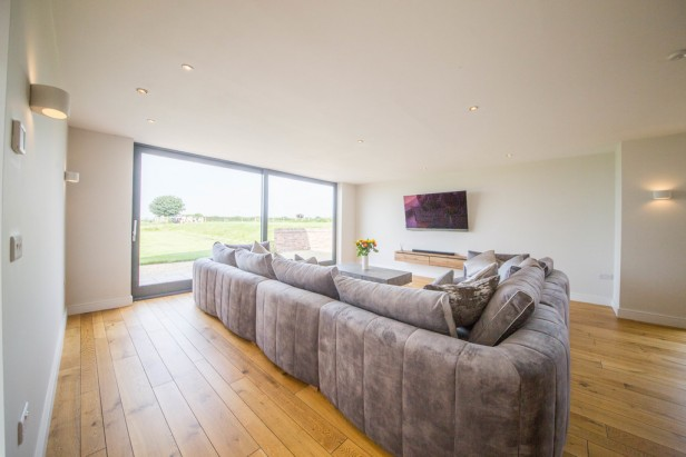 House For Sale in Tabley Hill Lane, Tabley   Jump-Pad – Newton-le-Willows - 4