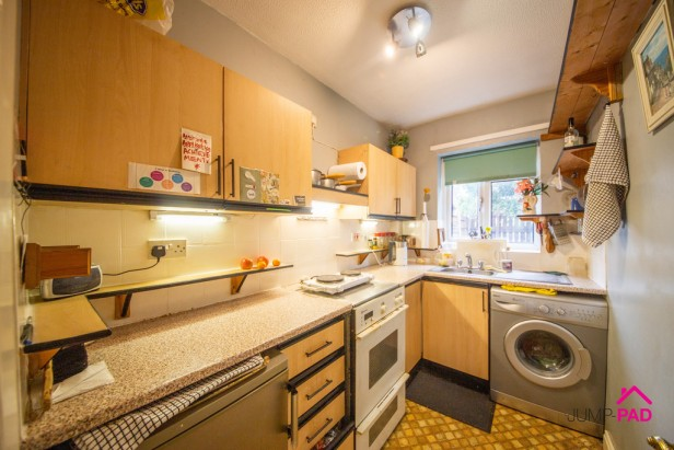 Apartment For Sale in Charnwood Close, Birchwood | Jump-Pad – Newton-le-Willows - 3