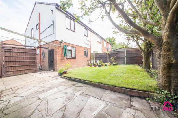 Apartment For Sale in Charnwood Close, Birchwood | Jump-Pad – Newton-le-Willows - 8