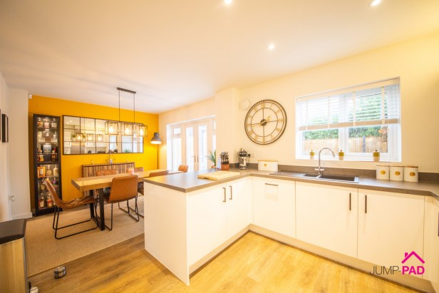 House For Sale in Southmead, Lowton | Jump-Pad – Newton-le-Willows - 3