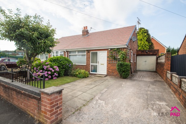 Bungalow For Sale in Patterson Street, Newton-le-Willows   Jump-Pad – Newton-le-Willows - 1