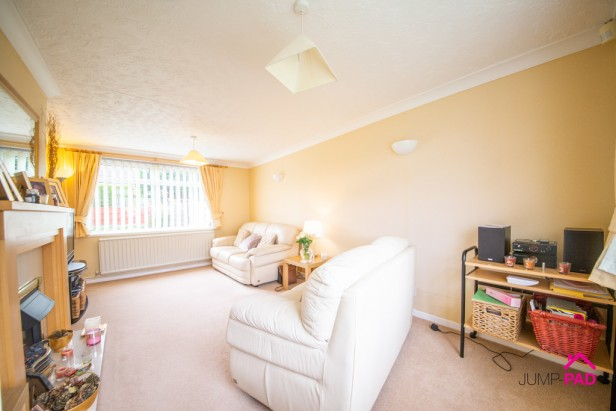 House For Sale in Glebeland, Culcheth | Jump-Pad – Newton-le-Willows - 3
