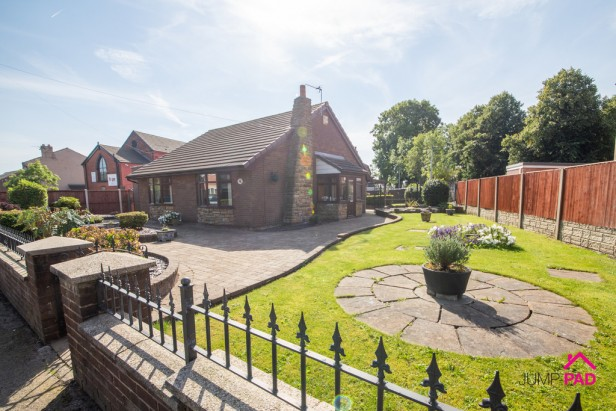 Bungalow To Rent in Heath Road, Ashton-in-makerfield | Jump-Pad – Newton-le-Willows - 1
