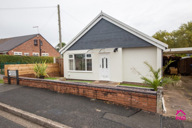 Bungalow For Sale in Warwick Avenue, Newton-le-Willows | Jump-Pad – Newton-le-Willows - 1