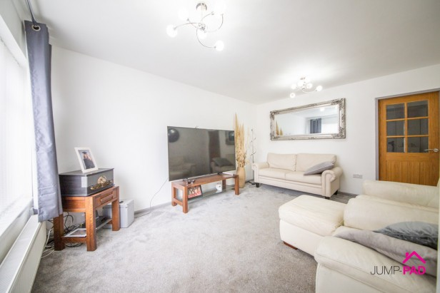 Bungalow For Sale in Warwick Avenue, Newton-le-Willows | Jump-Pad – Newton-le-Willows - 2
