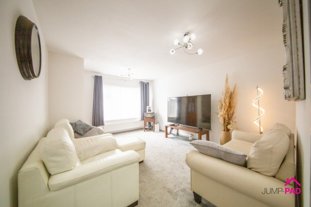 Bungalow For Sale in Warwick Avenue, Newton-le-Willows | Jump-Pad – Newton-le-Willows - 3