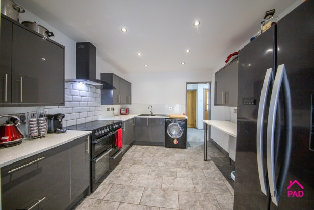 Bungalow For Sale in Warwick Avenue, Newton-le-Willows | Jump-Pad – Newton-le-Willows - 5