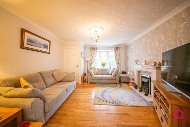 House For Sale in Bradlegh Road, Newton-le-Willows | Jump-Pad – Newton-le-Willows - 3