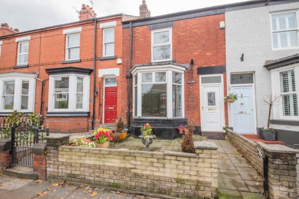 House For Sale in High Street, Newton-le-Willows | Jump-Pad – Newton-le-Willows - 1