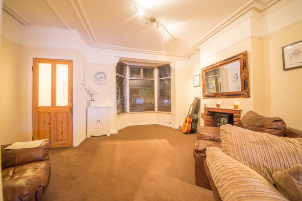 House For Sale in High Street, Newton-le-Willows | Jump-Pad – Newton-le-Willows - 2