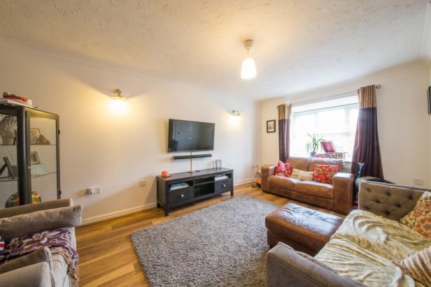 House For Sale in Borron Road, Newton-le-Willows | Jump-Pad – Newton-le-Willows - 2