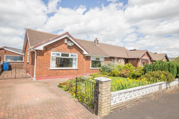 Bungalow For Sale in Rothwell Road, Golborne | Jump-Pad – Newton-le-Willows - 1