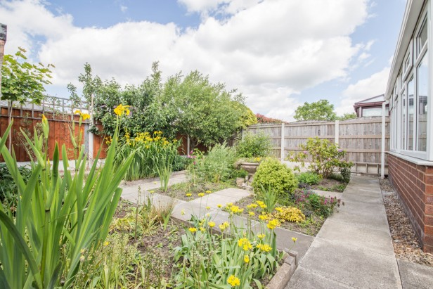 Bungalow For Sale in Rothwell Road, Golborne | Jump-Pad – Newton-le-Willows - 13