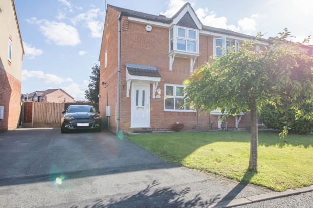 House For Sale in Dean Meadow, Newton-le-Willows | Jump-Pad – Newton-le-Willows - 1
