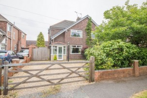 House to Let in Winwick