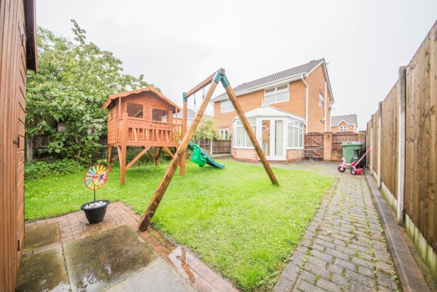 House For Sale in Barwell Close, Golborne | Jump-Pad – Newton-le-Willows - 13