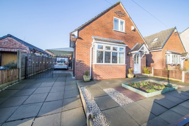 Bungalow For Sale in Rob Lane, Newton-le-Willows | Jump-Pad – Newton-le-Willows - 1