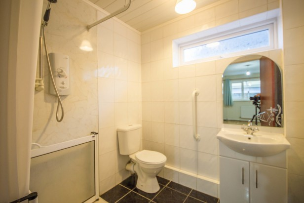 Bungalow For Sale in Rob Lane, Newton-le-Willows | Jump-Pad – Newton-le-Willows - 7