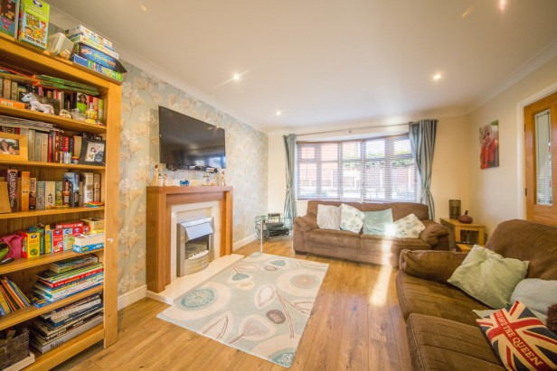 House For Sale in Thompson Close, Newton-le-Willows | Jump-Pad – Newton-le-Willows - 3