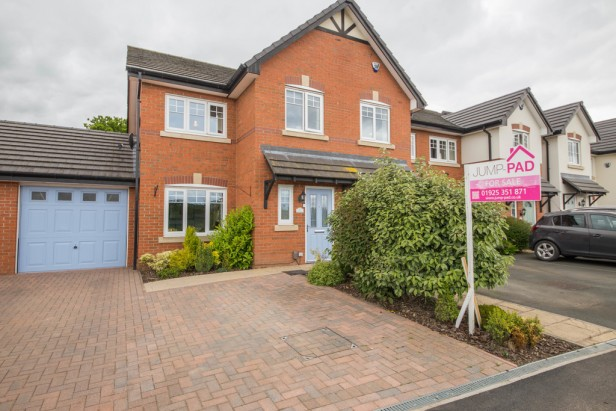 House For Sale in Raleigh Close, Newton-le-Willows   Jump-Pad – Newton-le-Willows - 1