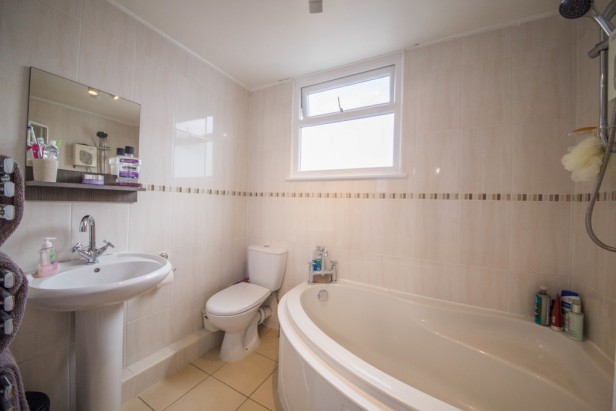 House For Sale in Thornton Close, Lowton   Jump-Pad – Newton-le-Willows - 10