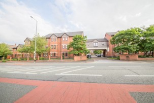 Apartment to Let in St. Helens
