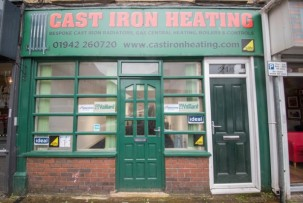 Commercial to Let in Leigh