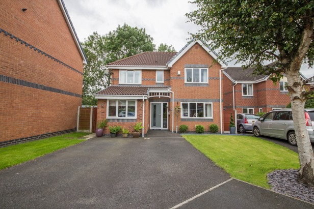 House For Sale in Cholmley Drive, Newton-le-Willows | Jump-Pad – Newton-le-Willows - 1