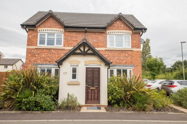 House For Sale in Etherley Drive, Newton-le-Willows | Jump-Pad – Newton-le-Willows - 1
