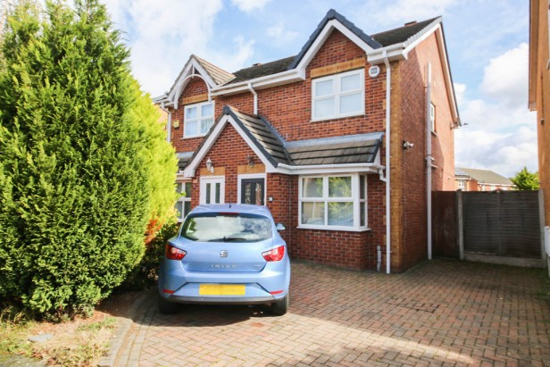 House To Rent in Waltersgreen Crescent, Golborne | Jump-Pad – Newton-le-Willows - 1