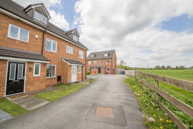 House For Sale in Rushton Close, Burtonwood | Jump-Pad – Newton-le-Willows - 1