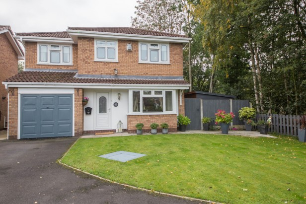 House For Sale in Wayfarers Drive, Newton-le-Willows | Jump-Pad – Newton-le-Willows - 1