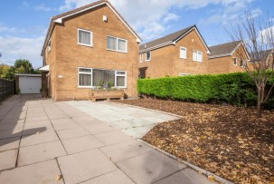 House to Let in Lowton